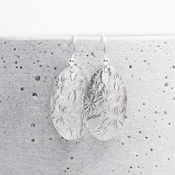 MADE BY LEENA - Elipser, örhängen i silver