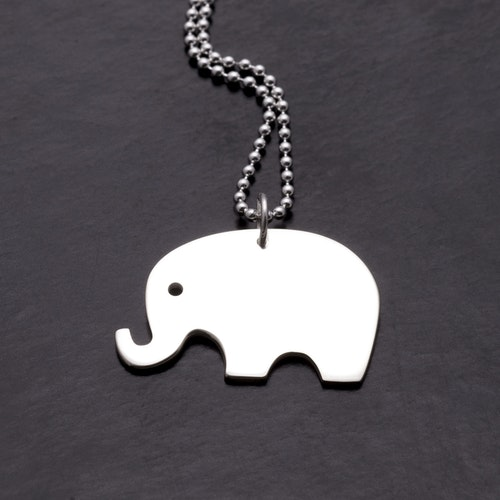 MADE BY LEENA - Elefant, halssmycke i silver