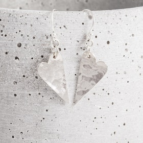 MADE BY LEENA - Hjärtan, örhängen i silver