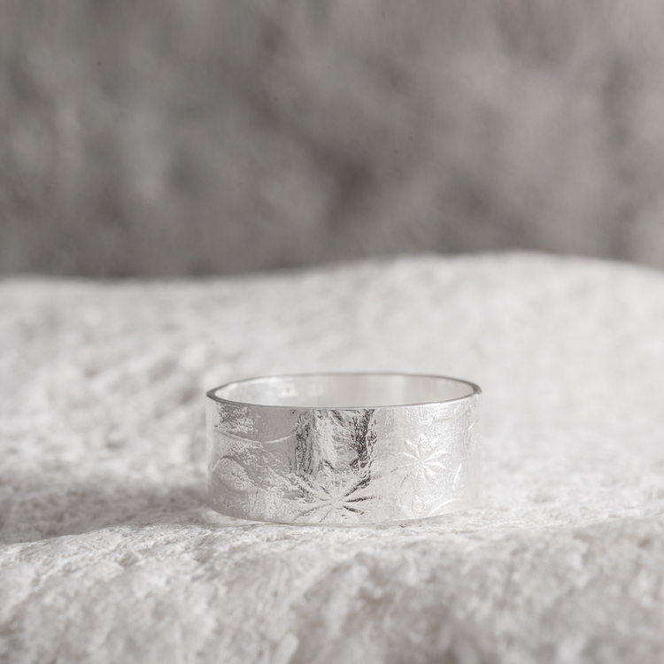 MADE BY LEENA - Blommönster, silverring
