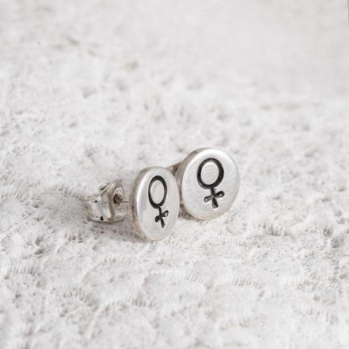 MADE BY LEENA - Örstickare, kvinnosymbol i silver
