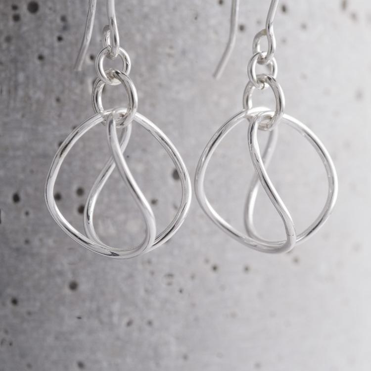 MADE BY LEENA - Boll, örhängen i silver
