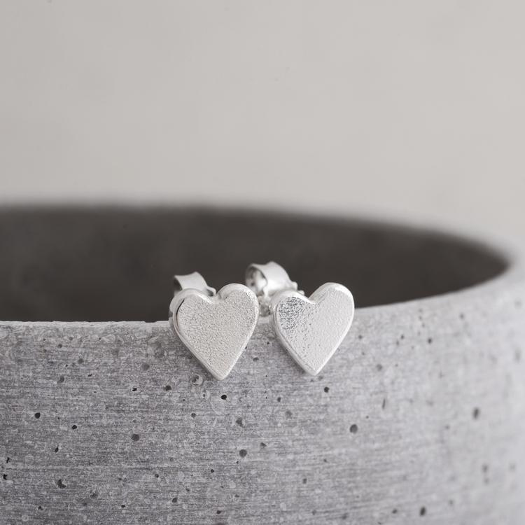 MADE BY LEENA - Örstickare, hjärta i silver