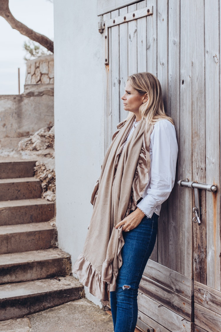 Silk and cashmere shawl beige