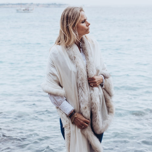 Fur Shawl white