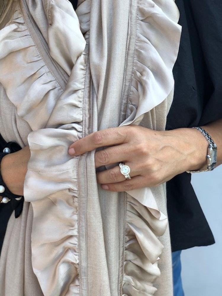 Cashmere shawl silk frill beige