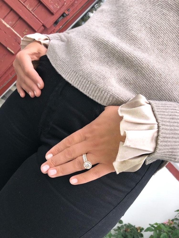 Cashmere sweater silk detail beige