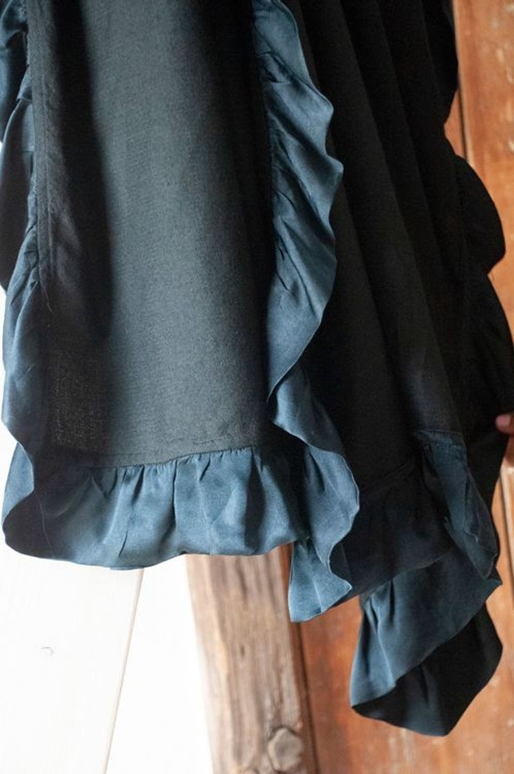 Silk frilled woven cashmere shawl black
