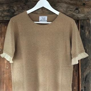 Cashmere sweater, short sleeve,  silk detail beige