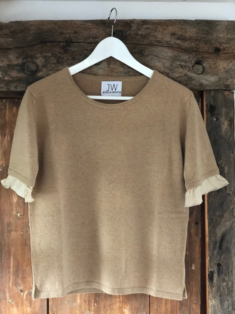 Cashmere sweater, short sleeve,  silk detail beige