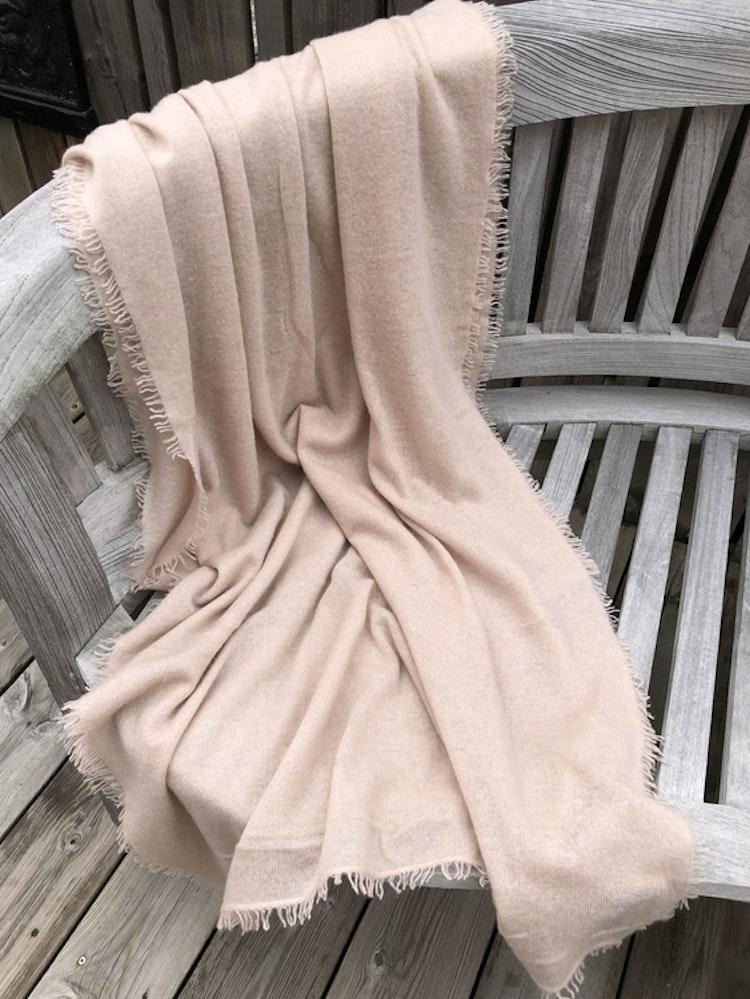 Natural cashmere shawl powder
