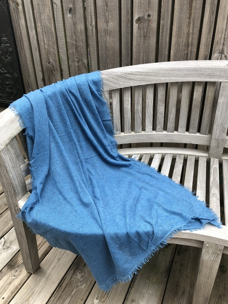 Natural cashmere shawl blue