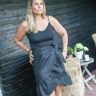 Linen skirt black