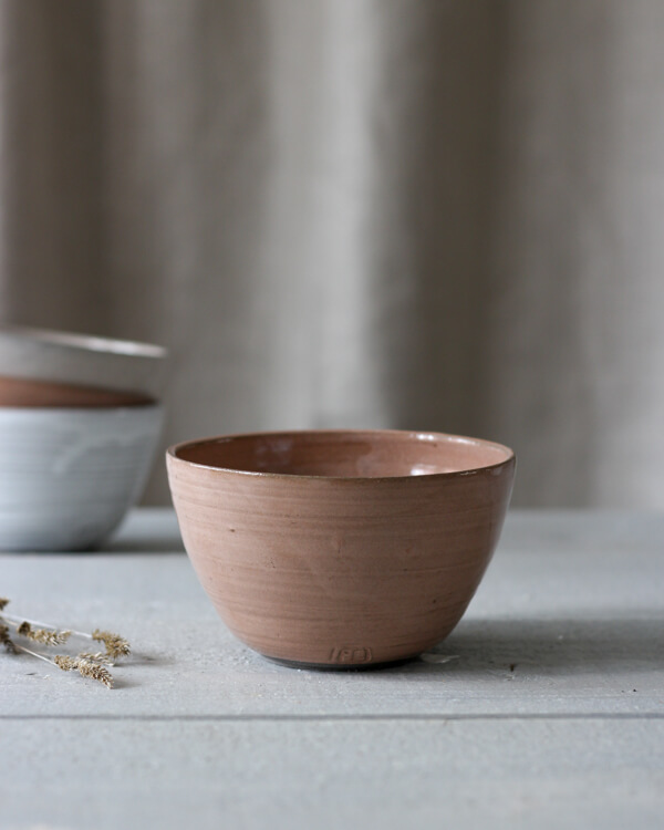 Jord keramikskål rost