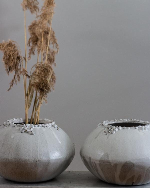 Vas Pebbles