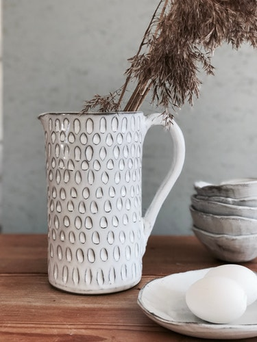 CERAMIC PITCHER IN GRAY CLAY