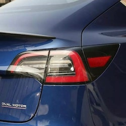 Model 3 Spoiler i kolfiber matt