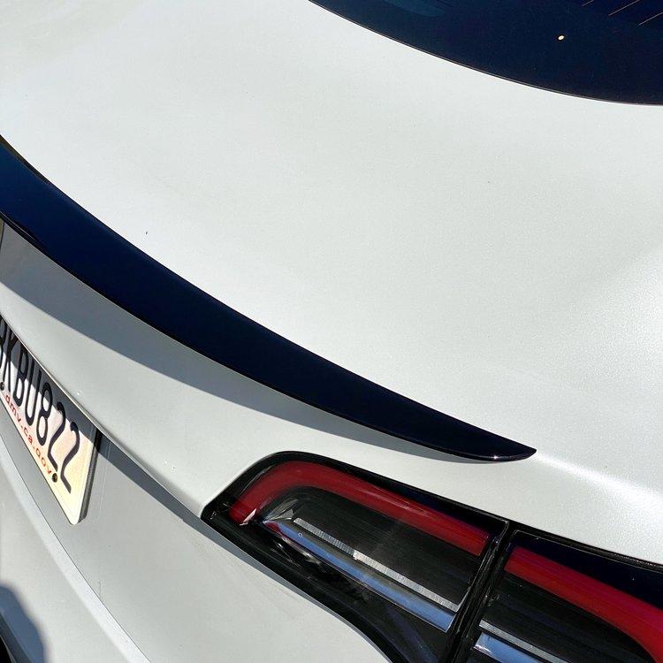 Model 3 Spoiler i ABS blank svart