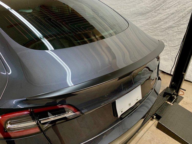 Model 3 Spoiler i ABS mattsvart -- FYNDHÖRNAN