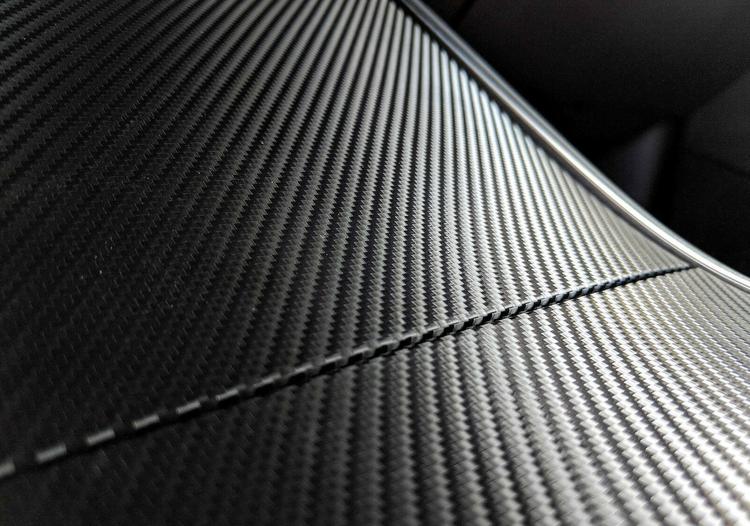 Model 3 & Y carbon fiber wrap, matt -- FYNDHÖRNAN