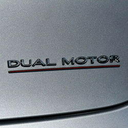 Performance Dual Motor dekaler i olika färger