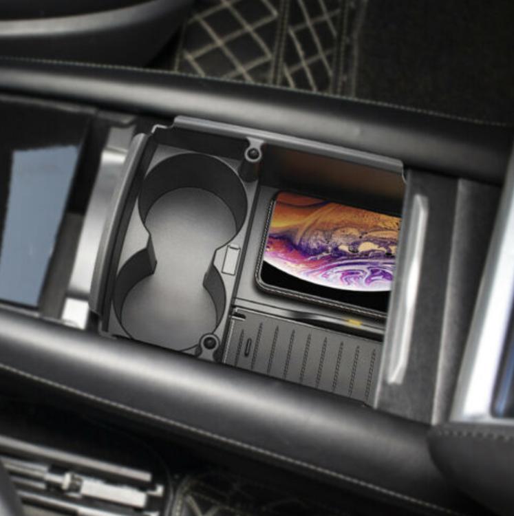 Mittenfack med trådlös laddning och mugghållare för Model S/X