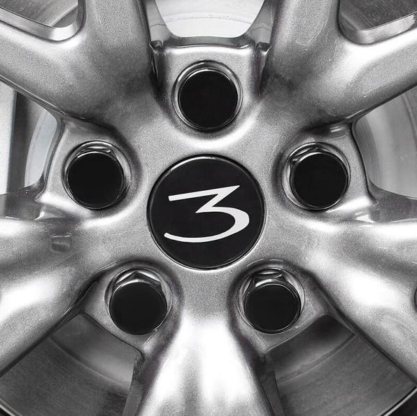 Model 3 Center caps vit 3