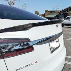 Model S Spoiler i ABS kolfiber V-form