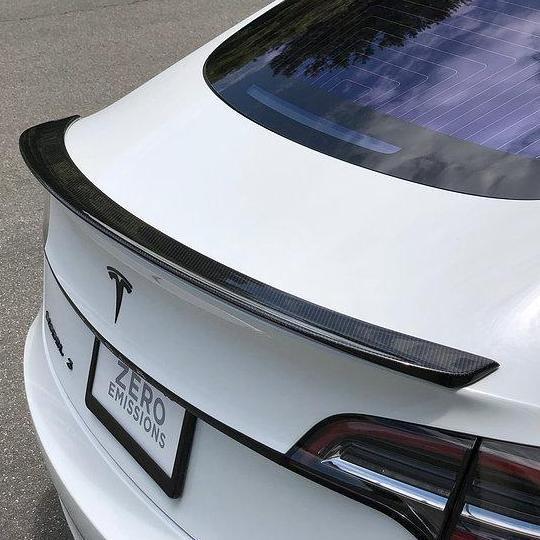 Model 3 Sportspoiler i kolfiber blank