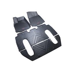 Model X Gummimattor 6 sits
