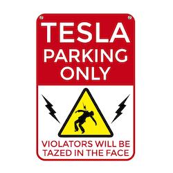 Tesla skylt
