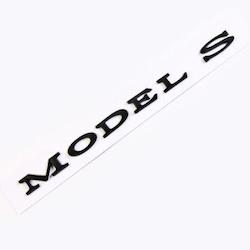 Model S + P100D svarta emblems