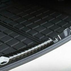 Model 3 lastskydd i metall för trunken silver/svart