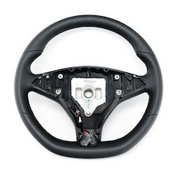 Model S & X ratt kolfiber utbytesenhet