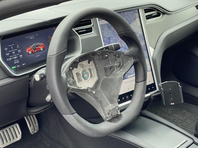 Model S & X ratt kolfiber (matt/blank/valfri design)