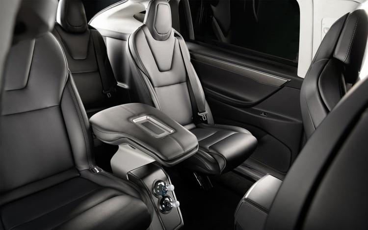 Model X 6-sits armstöd