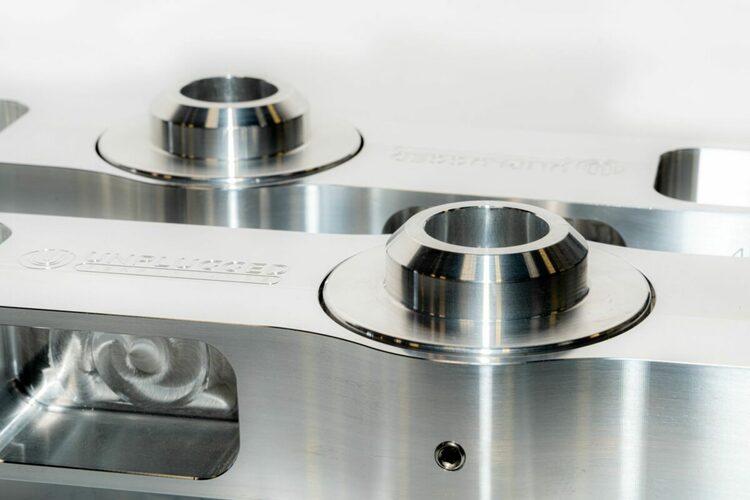 Unplugged Performance - Model 3/Y justerbara bakre fjädringsarmar