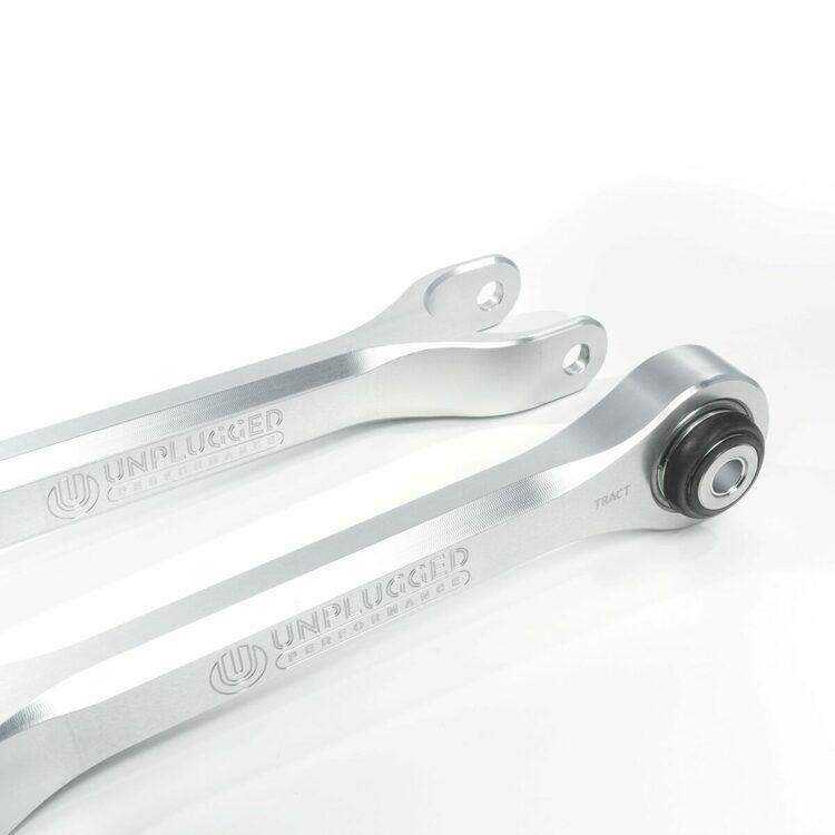 Unplugged Performance - Model 3/Y Billet bakre traction & trailing armar