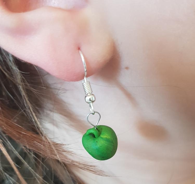 Grönt äpple (cernitlera)