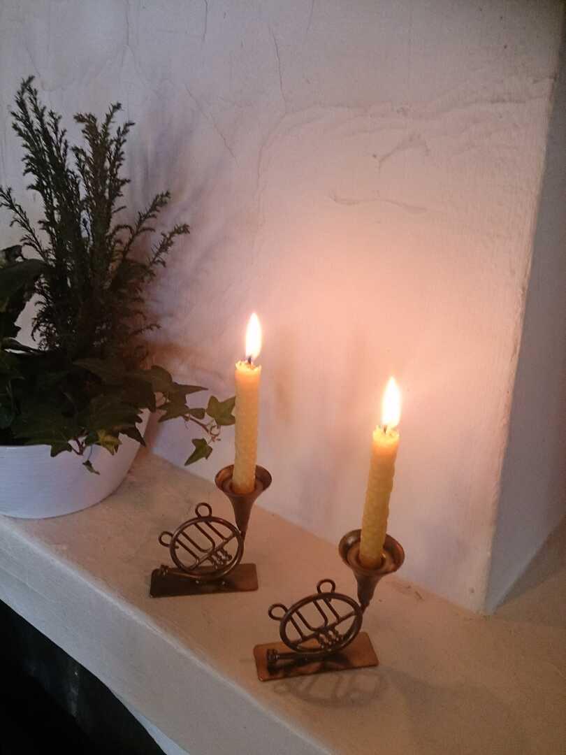 Små gjutna julgransljus brinntid ca 1 timme