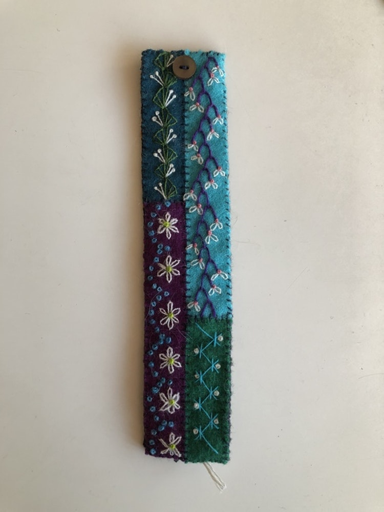 Armband yllebroderi 18- 18,5 cm.   Flera varianter