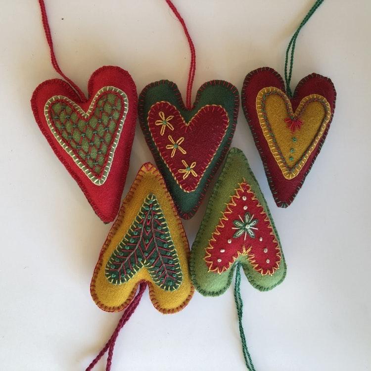2 st Hjärtan i ull, materialsats