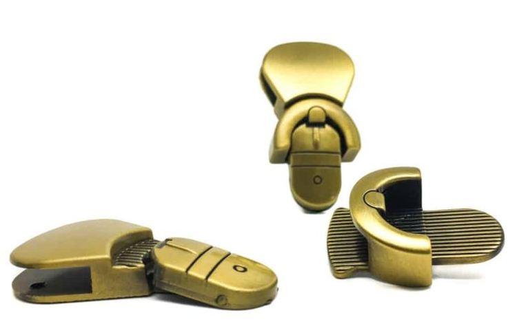 Trycklås - Belttip purse lock Serial Bagmaker