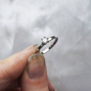 """""""North Star Mini"""" ring in gold with a TW/VS 0.17ct diamond"""