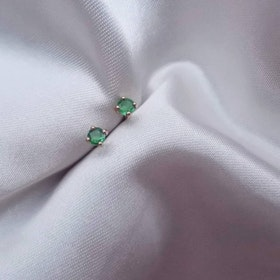 """Stellar"" Earstuds in 18K gold with Emeralds"