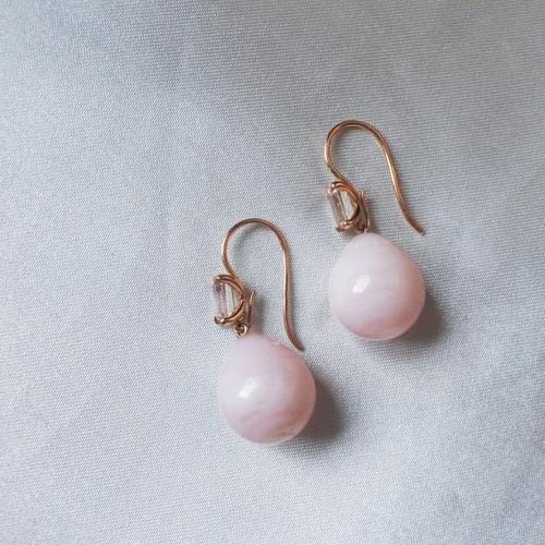 """""""Venus"""" örhängen med morganiter och rosa opaler"""