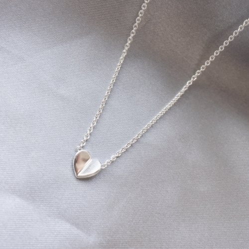 """Lucky Heart"" necklace in silver"