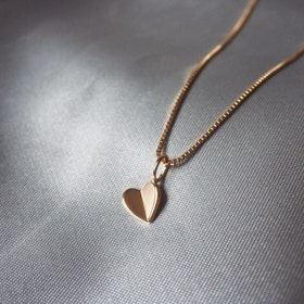 """Lucky Heart"" Pendant in 18K gold"