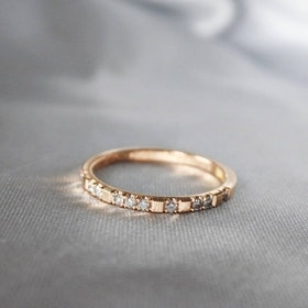 """Mrs Space"" Ring in gold with TW/VS diamonds (tot 0.14ct)"