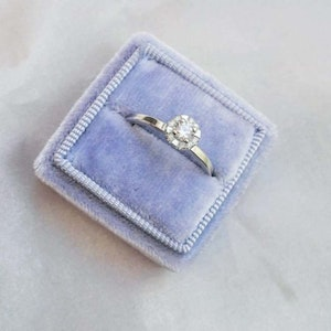"""""""Saturn"""" ring in gold with TW/VS diamonds"""